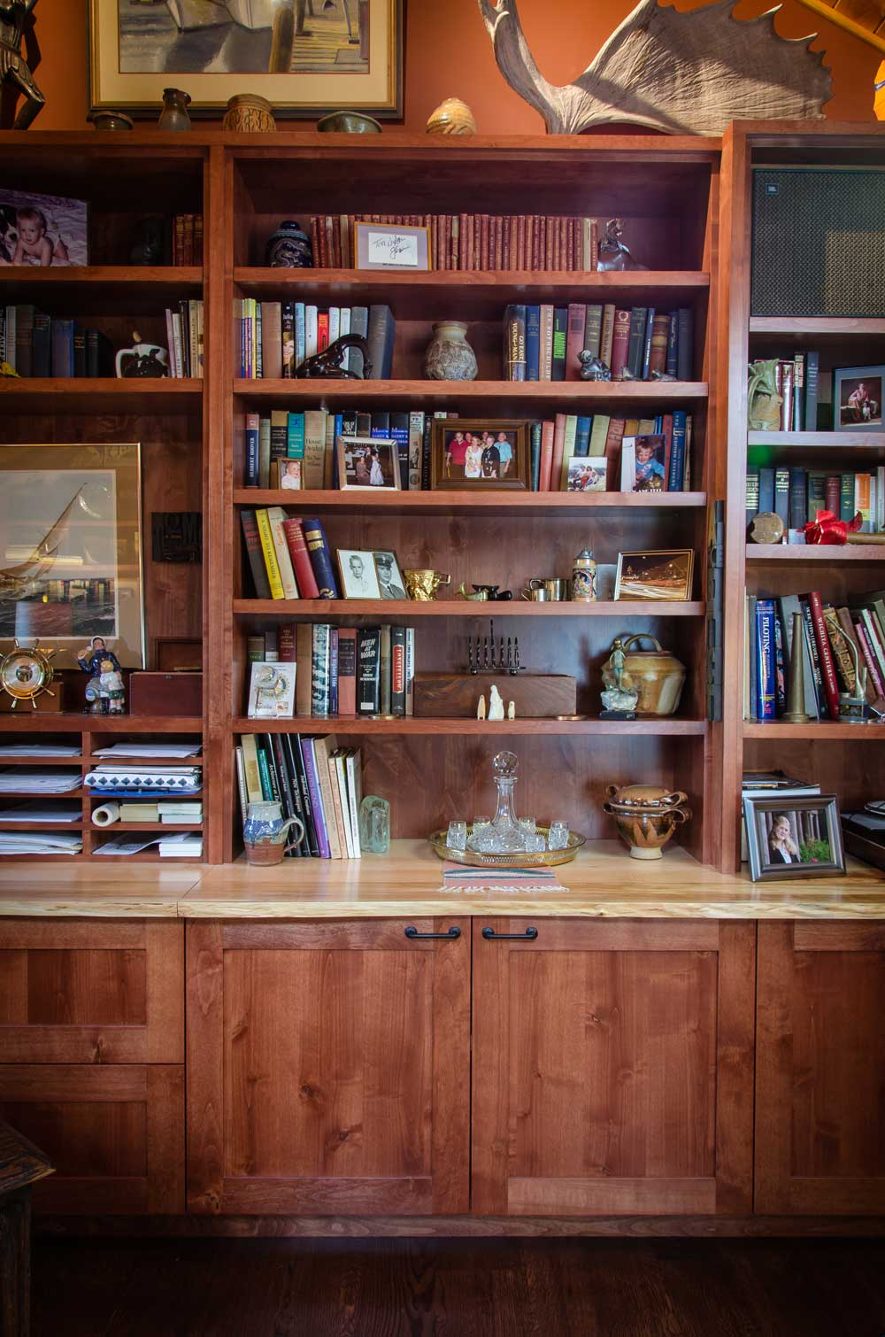 custom bookshelves cabinet